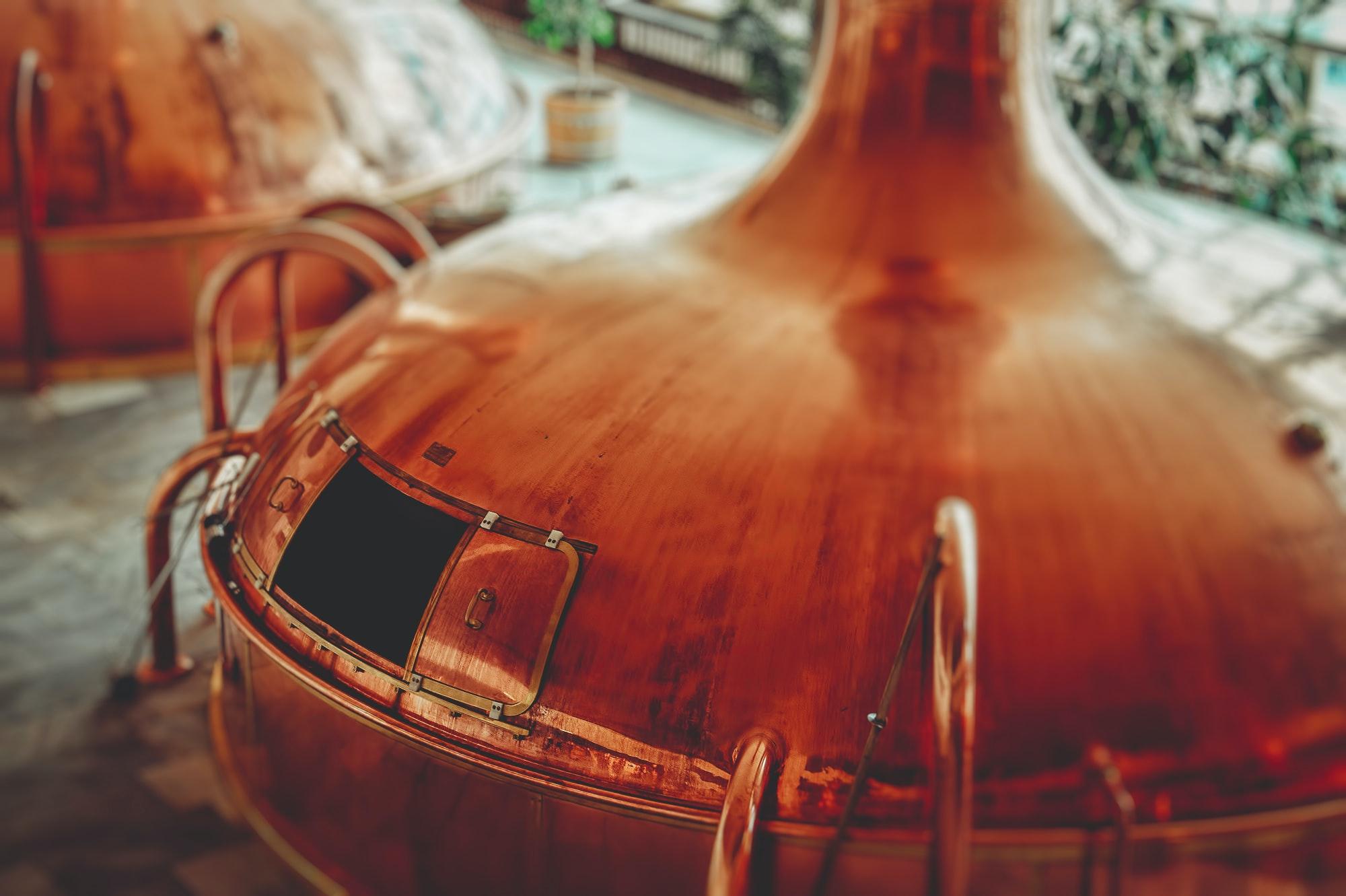 Gros contenant pour distillateur